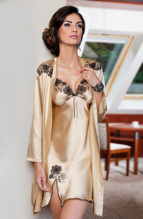 Petra Dressing Gown Champagne